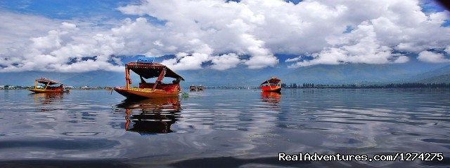 KasHmiR ExotiCA - Enjoy The HEAVEN on Earth: Shikara in Dal Lake Srinagar