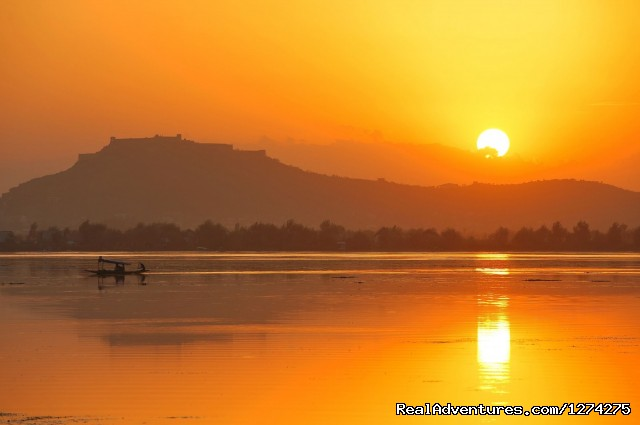 Sunset in Dal Lake Srinagar - KasHmiR ExotiCA - Enjoy The HEAVEN on Earth