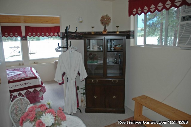 Tamarack Room - Wasa Lakeside B&B