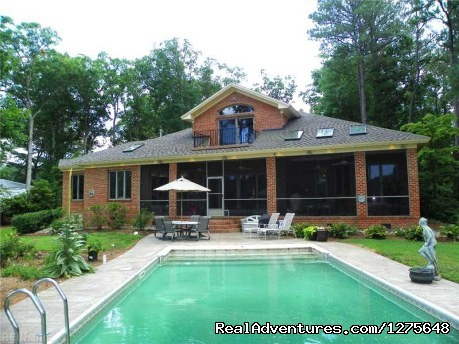 - Awesome & Cozy 4 Bedrooms home with Private Pool.