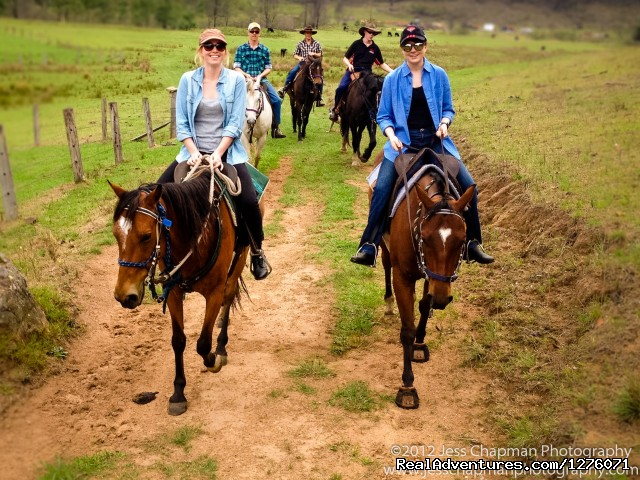 Fun surrounded by friends - Horse Riding in the Hunter Valley