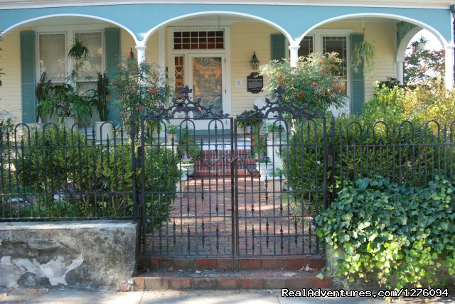 Entrance and Front Porch - Camellia Cottage Bed and Breakfast