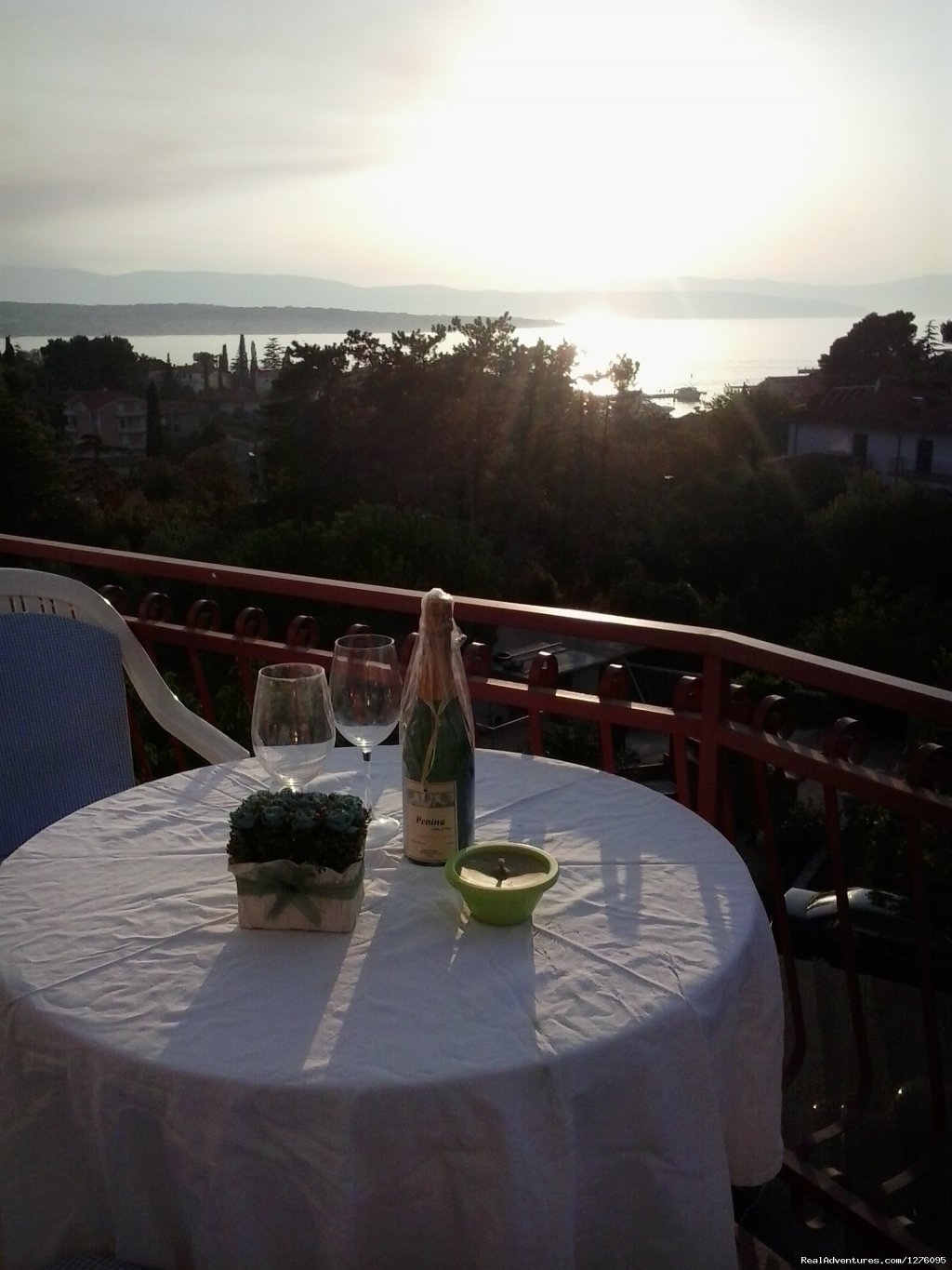 Apartment 4+2 on Island  of Krk in Malinska. 200 m from all amenities and sea.