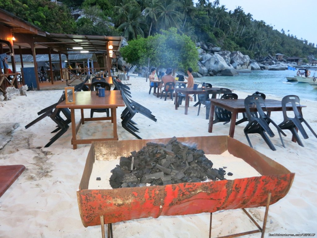 Ready for BBQ | Image #11/14 | Alantis Bay Resort, diving paradise in Malaysia