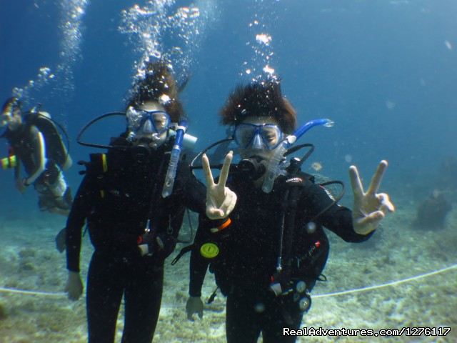 Alantis Bay Resort, diving paradise in Malaysia: Divers having a great time