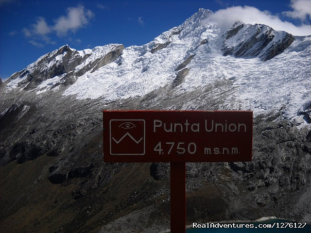 Pass hight Punta Union - Santa Cruz Trekking - Cordillera Blanca Adventures