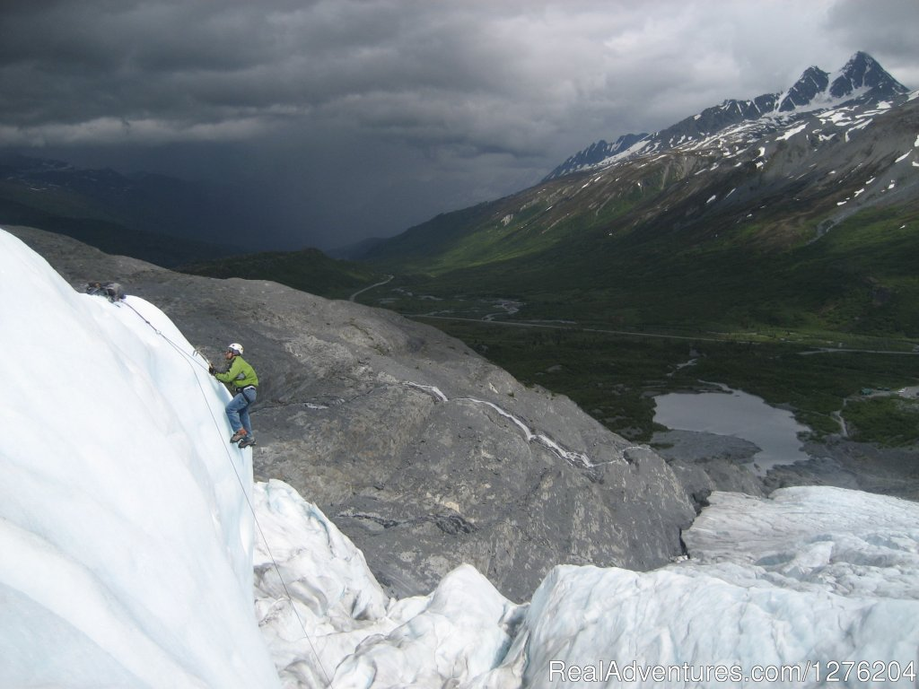 Ice Climbing the thompson pass Glaciers | Image #17/23 | Tsaina Lodge -Helicopter Fishing & Adventures