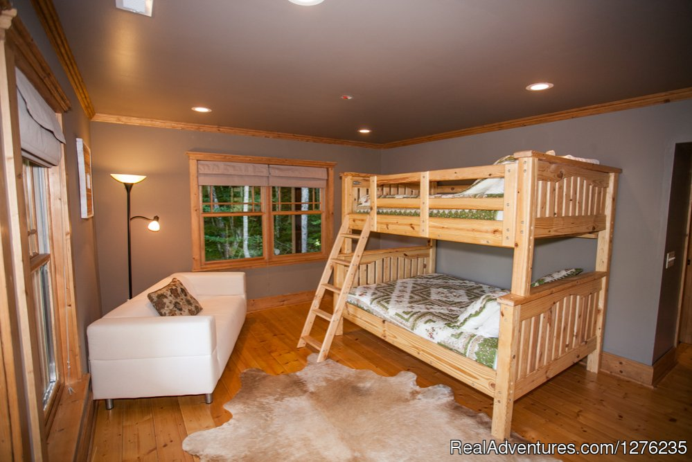 Downstairs Queen/Full Bunk | Image #17/22 | Luxury Wildflower Cabin in the Woods, Franklin NC
