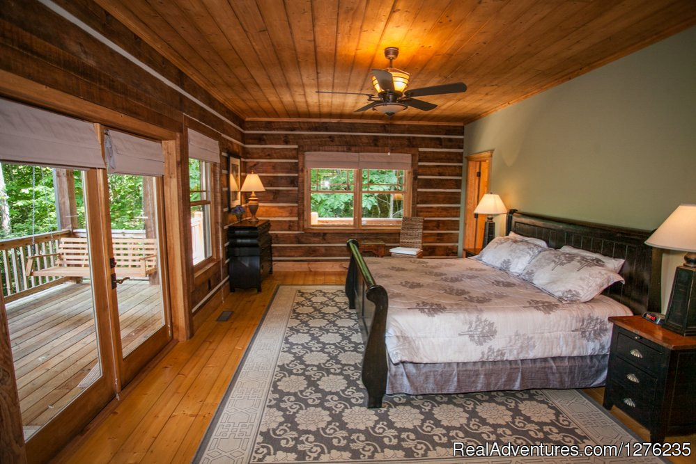 Master Bedroom | Image #8/22 | Luxury Wildflower Cabin in the Woods, Franklin NC