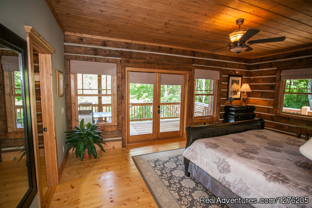 Living Room Main Level - Wildflower Cabin in the Woods, Franklin NC