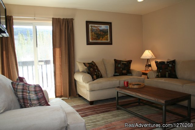 Living Room - Updated condo in Summit County - Colorado Rockies