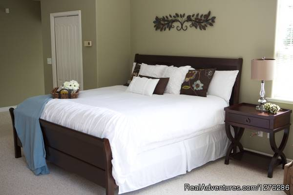 Kingsize beds available (#6 of 6) - Harrison Lakehaven B&B