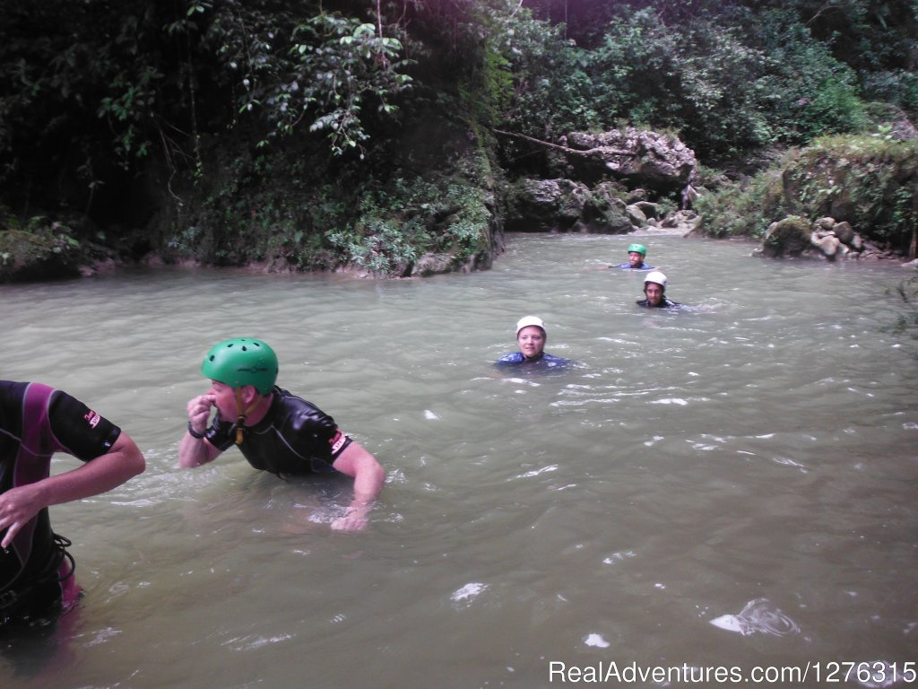 Tredding through | Image #6/6 | Kayaking/Canyoning Adventures in the Dominican