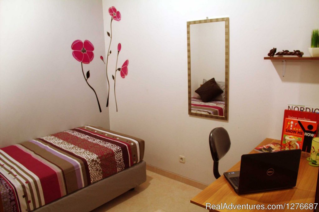 room type 2: 1 Single Bed | Image #5/17 | Room for Rent In Central Jakarta