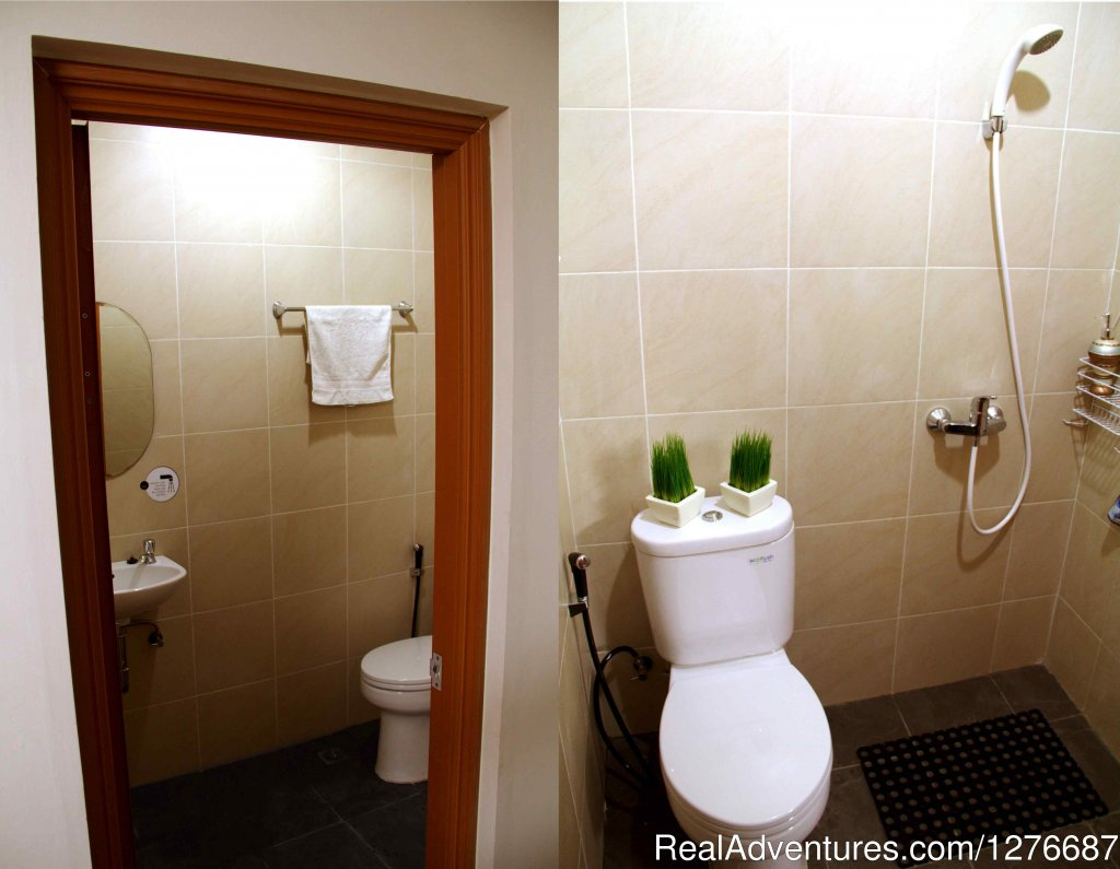 Private Bathroom | Image #13/17 | Room for Rent In Central Jakarta