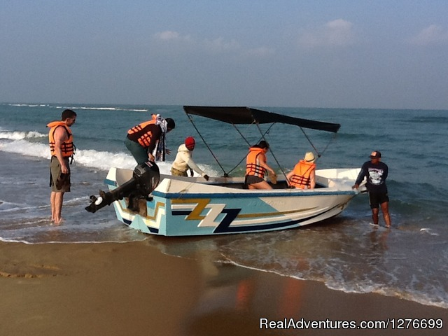 Boat Launching to go Dolphin watching - Hotel and Eco Resort with Beach chalets