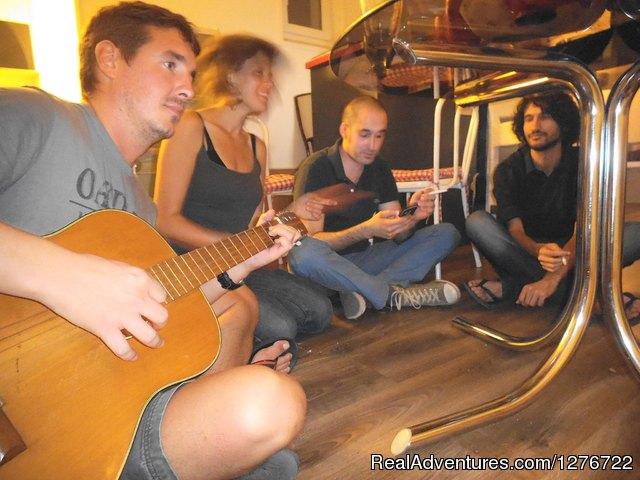Hostel FRIENDS Kalemegdan Best hostel in Belgrade  - living room