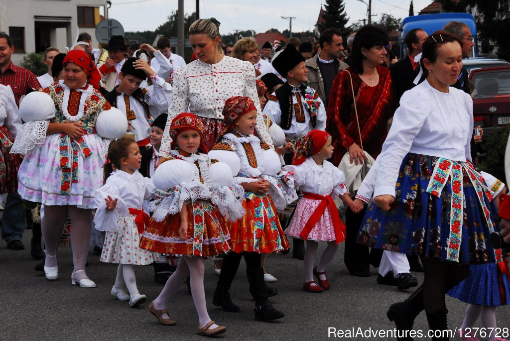 Folklore festival in southern Moravia(Kostelany nad Moravou) | Image #10/21 | ATYPUS ADVENTURES - european private tours