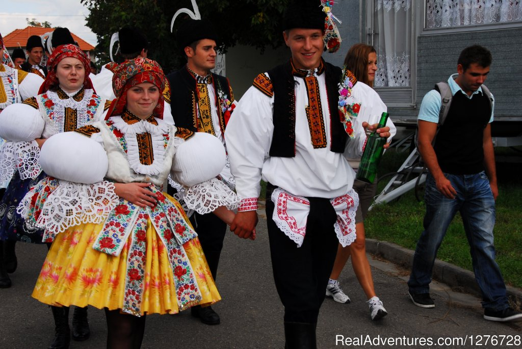 Folklore festival in Moravia | Image #12/21 | ATYPUS ADVENTURES - european private tours