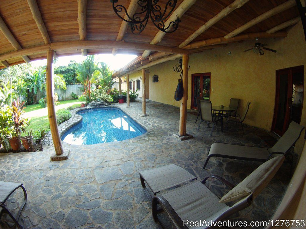Pool and private back yard | Image #8/12 | Playa Hermosa/Jaco Private Home w/pool
