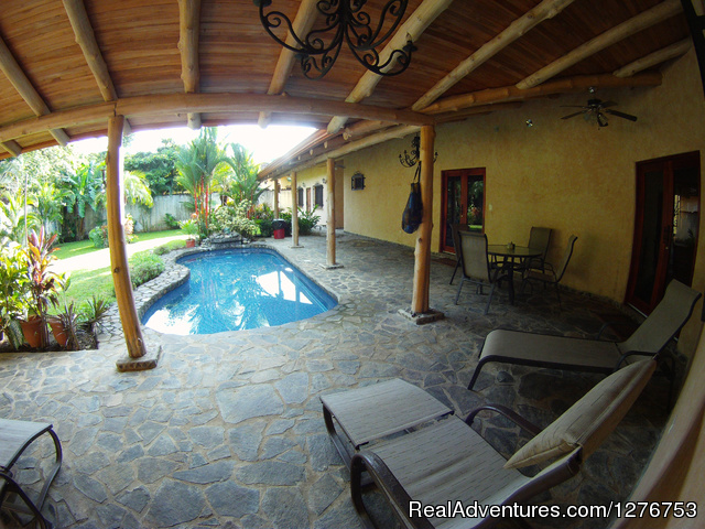 Pool and private back yard - Playa Hermosa/Jaco Private Home w/pool
