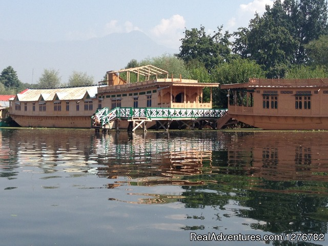 Majestic Group of House Boats: Majestic Group of House Boats