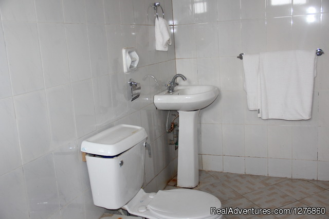 Shower Room - Vacation Rental Apartment and Hotel. Kisumu,Kenya