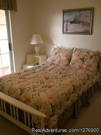 Bedroom - Beautiful Apartment near Golf and Beaches-sleeps 4