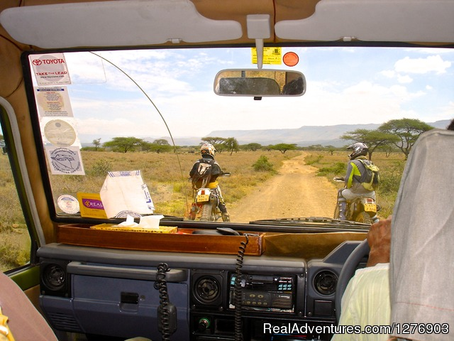 Dirt Bike Tour Kenya Support vehicle - Off Road Motorcycle Safaris in East Africa