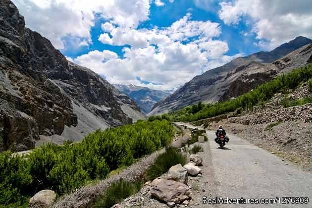 Adventurous - Legendary Moto Rides