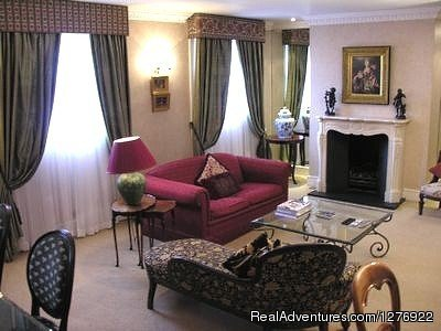 Stunning English Style Apartment near Oxford Street | Image #9/23 | Quality London Serviced Apartment for Great Breaks