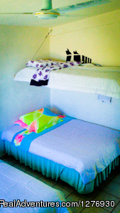 Double and single beds - Surf Hostel Cabo
