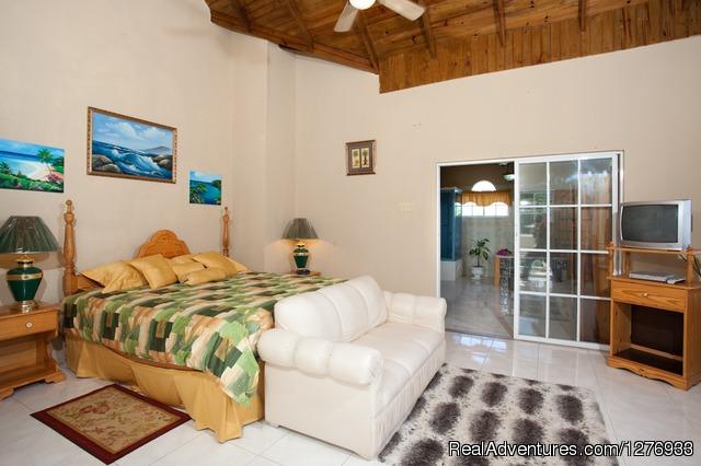 Villa Master Suite - Luxury Jamaica Villa
