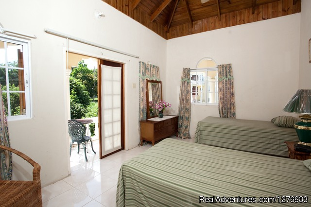 Villa Twin Bedroom - Luxury Jamaica Villa