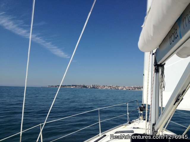 Image #4 of 7 - Boat trips in Lisbon