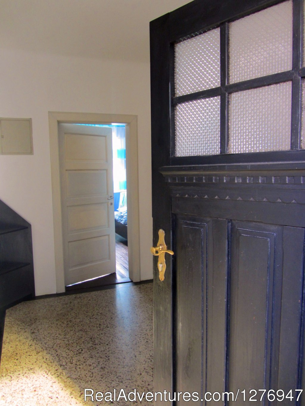 Entrance | Image #13/21 | Apartment in the business district