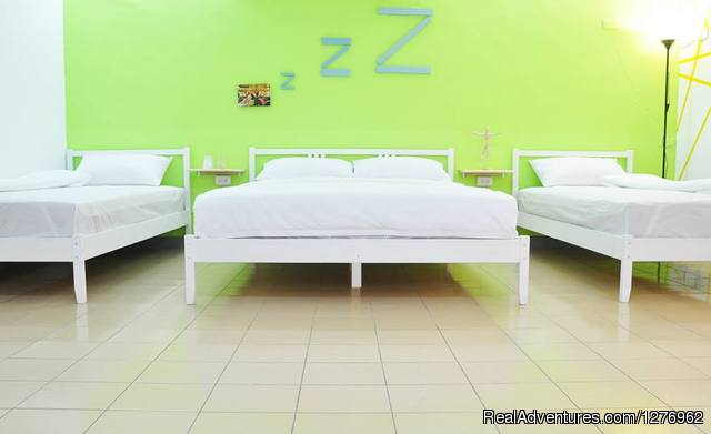 4 Ppl Suite - TK Hostel at central Kaohsiung