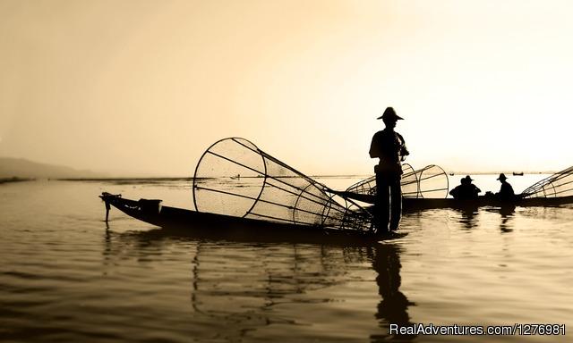 Walking Tour Of Myanmar