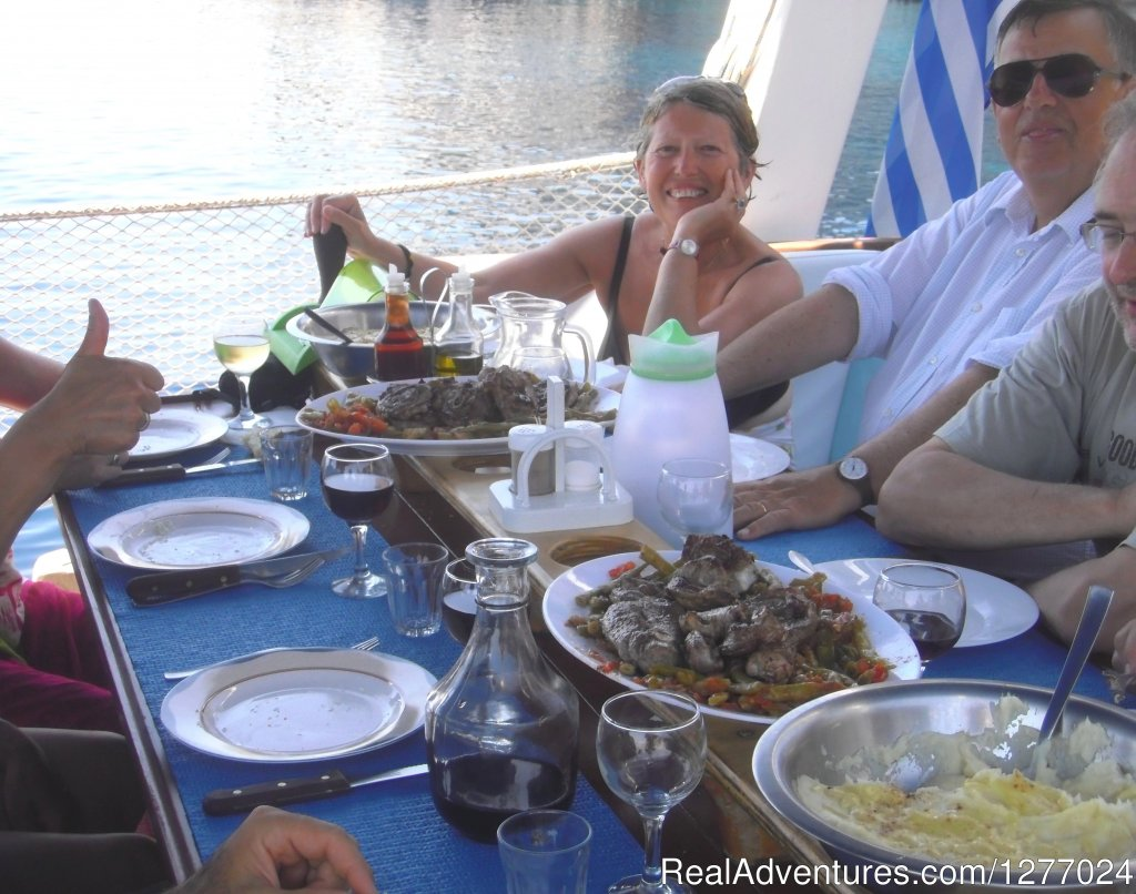 Lunch time | Image #4/14 | Authentic way to enjoy Greek islands like Odysseus