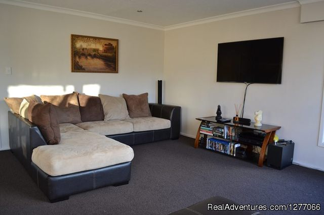 A Very Spacious One Bedroom Flat To Rent In Centra