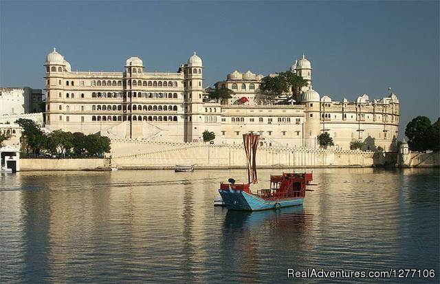 Udaipur - The Lake City - 15-Day Heritage & Culture Tour of India