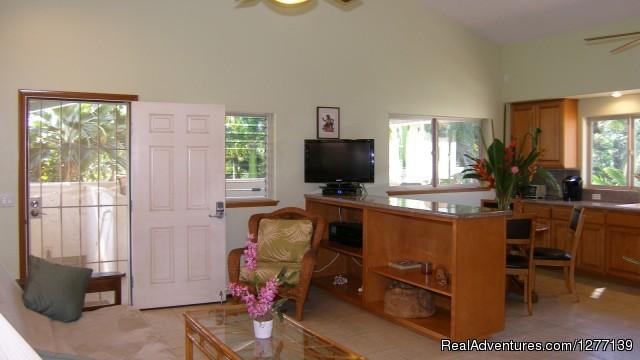 Aloha Aku Inn & Suites - Maui Beachfront Rentals Ohana Suite