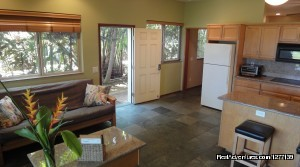 CoCo Palm Suite - Aloha Aku Inn & Suites - Maui Beachfront Rentals