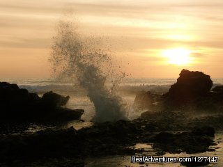 Yoga and Surf in Ecuador Sunset en La Punta