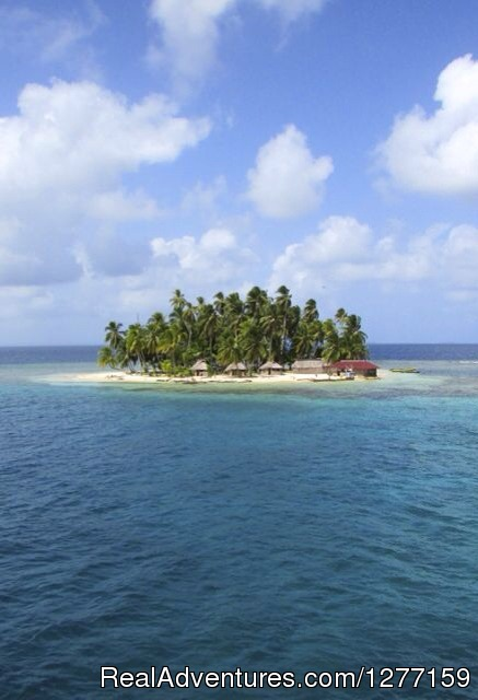 Sailing in San Blas Islands