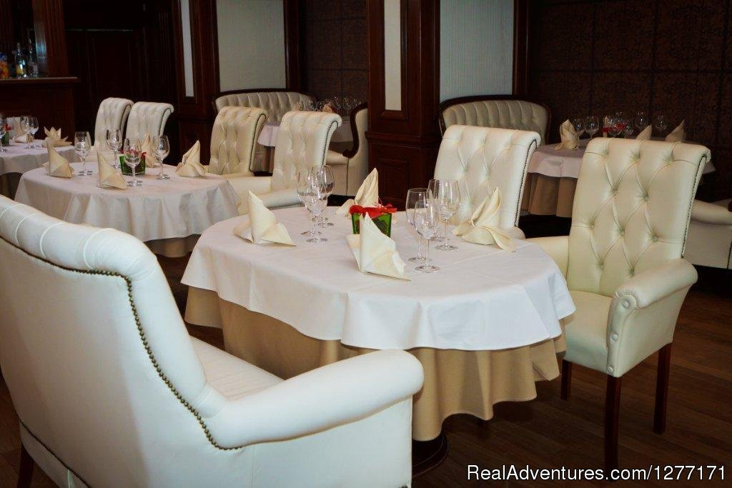 The Hotel's Restaurant | Image #13/17 | Traditions and Comfort at Roman Boutique Hotel&Spa