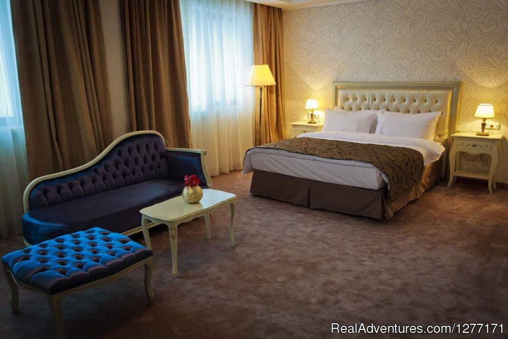 Deluxe room | Image #3/17 | Traditions and Comfort at Roman Boutique Hotel&Spa