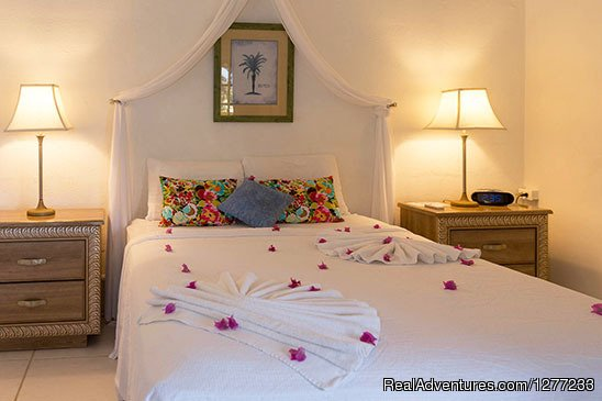 Corner View Bedroom | Image #8/12 | Self Catering Villa and Apartments Rental