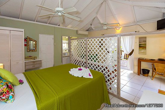 Sweet Nest Cottage Bedroom | Image #11/12 | Self Catering Villa and Apartments Rental