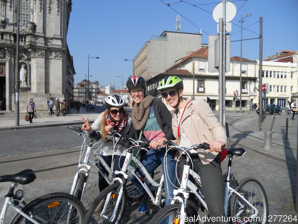 Hop on a bicycle and explore Porto's historic centre with us. You will encounter an urban city towards Art and Architecture, from the Middle Ages to the Modern Era. It has never been so easy and fun to discover Porto by bike, so don't miss the opport